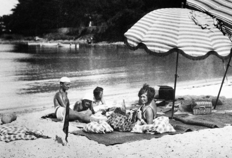 sara-gerald-murphy-france-beach