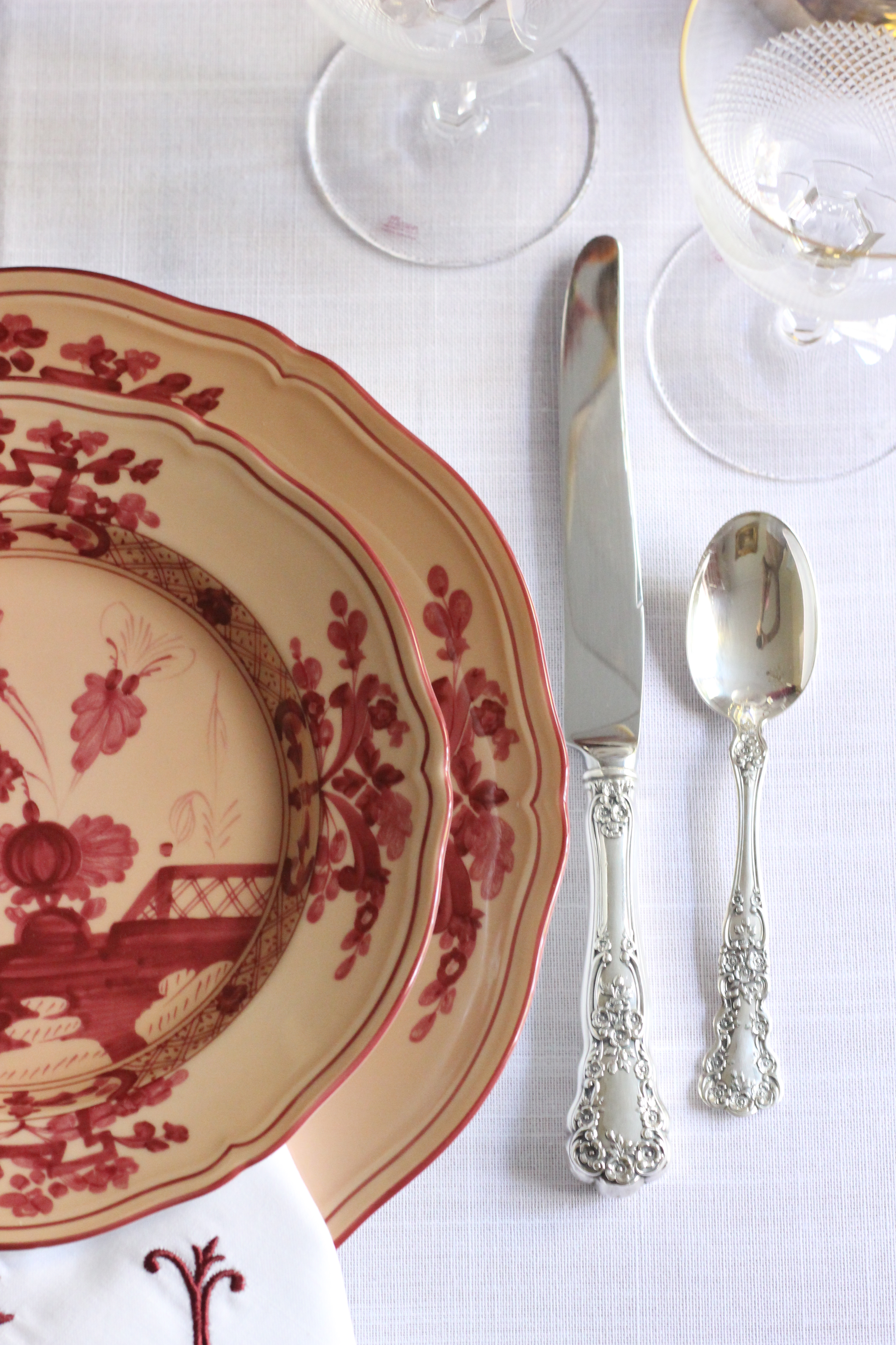 Thanksgiving Tablescape featuring Richard Ginori Oriente Italiano china on Stuffy Muffy
